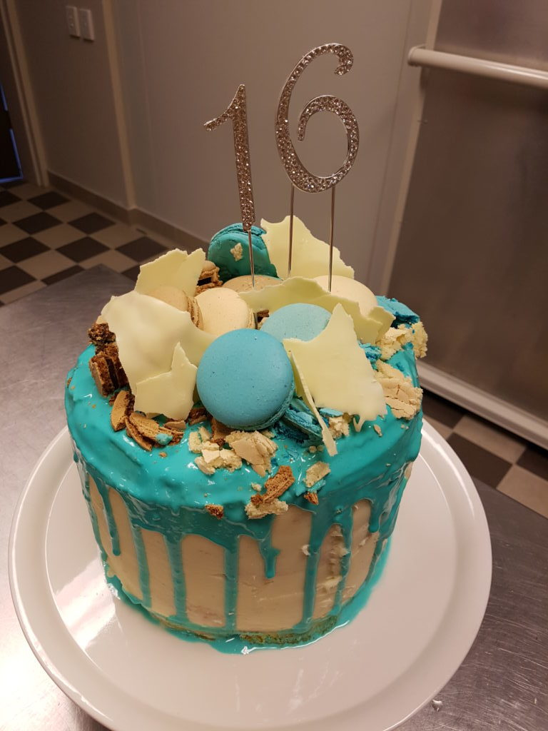 sponge-cake-bake-cakes-pastries-and-desserts-1024x768